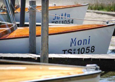 Die Elektroboote Moni und Jutta des Bootsverleih Schwarz